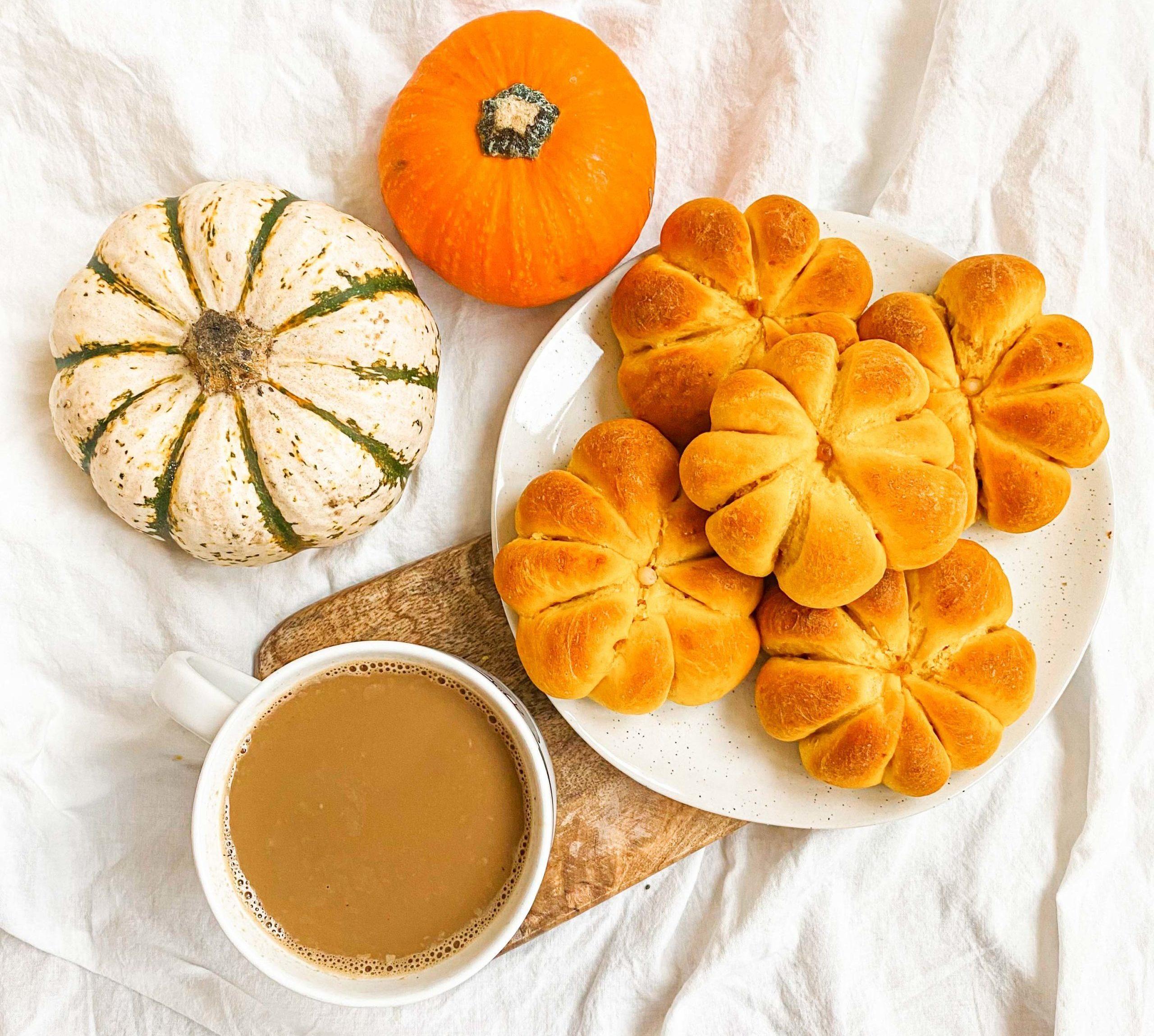 Pumpkin-Shaped Bread Rolls |Recipe
